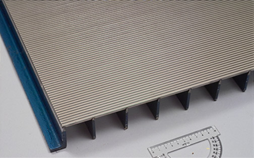 Pro-SLOT® wedge wire screen with reinforcing bars